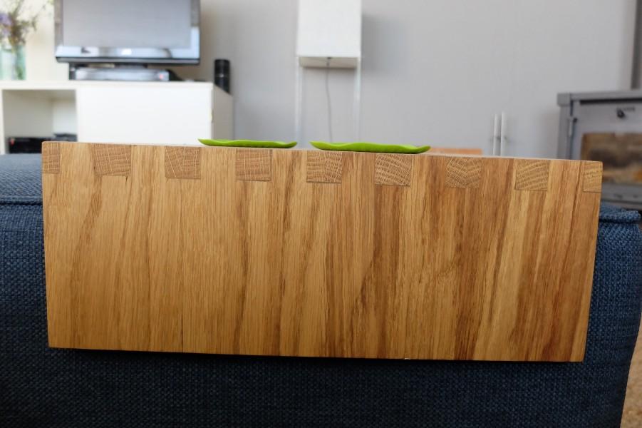 op maat gemaakt tafeltje voor poef hocker detail houtverbinding