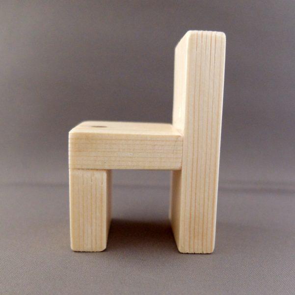 Poppenhuis meubeltjes stoel