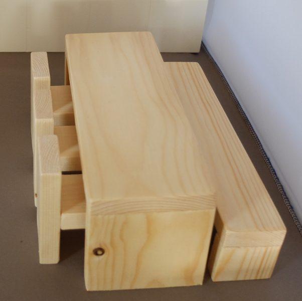 Poppenhuis meubeltjes eethoek Tafel bank en stoelen