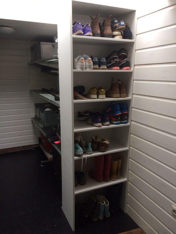 Schoenen kast opmaat gemaakt