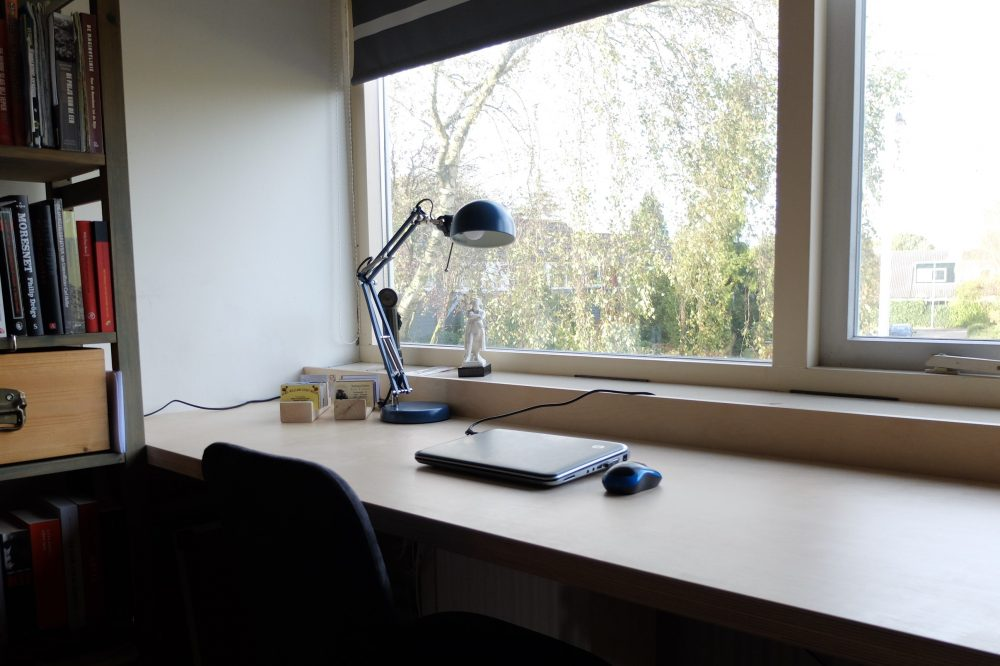 Opmaat gemaakt bureau buro